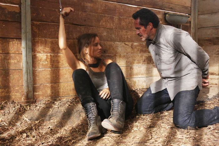 Jenny Pellicer as Romina Cerisola, Demian Bichir as Marco Ruiz The Bridge 2x12