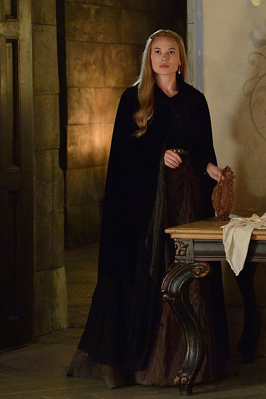 Celina Sinden as Greer Reign Season 2 Episode 2