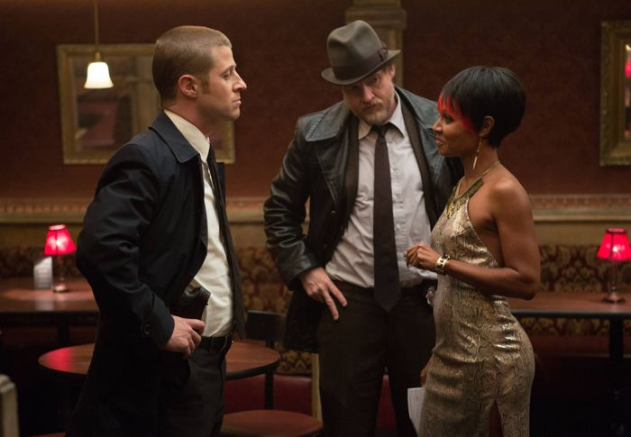 GOTHAM: Detectives Gordon (Ben McKenzie, L) and Bullock (Donal Logue, C) question Fish Mooney (Jada Pinkett Smith, R)