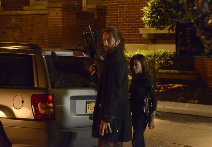 SLEEPY HOLLOW: Ichabod Crane (Tom Mison, L) and Abbie (Nicole Beharie R)