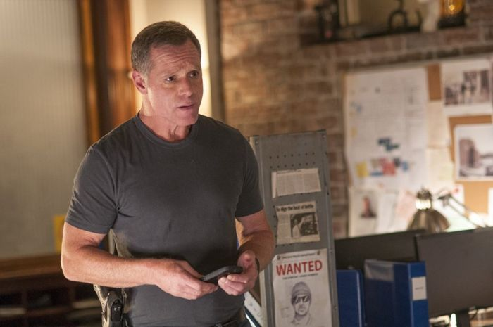 """CHICAGO P.D. -- """"Call it Macaroni"""" Episode 201 -- Pictured: Jason Beghe as Hank Voight"""