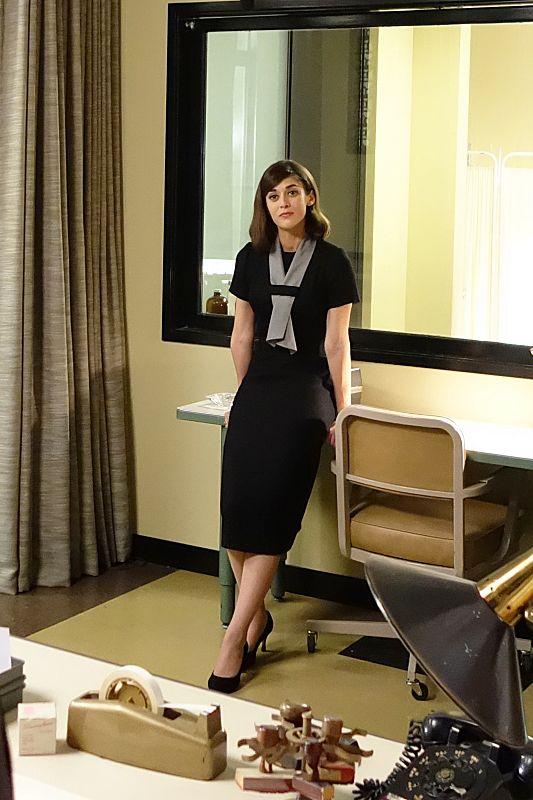 Lizzy Caplan as Virginia Johnson in Masters of Sex (season 2, episode 10)