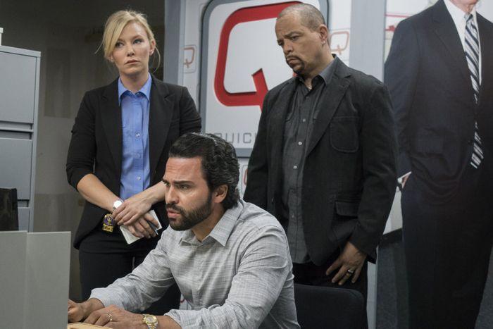 Kelli Giddish as Detective Amanda Rollins, Manny Perez as Angel Perez, Ice-T as Detective Odafin 'Fin' Tutuola Law & Order: Special Victims  Unit - Season 16