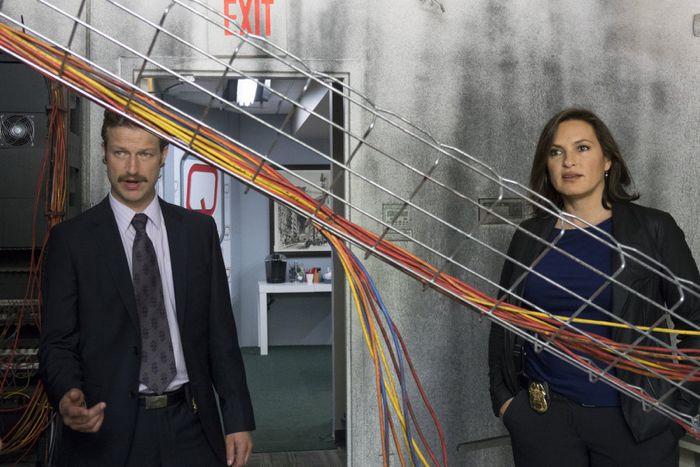 "Peter Scanavino as Dominick ""Sonny"" Carisi, Mariska Hargitay as Sergeant Olivia Benson Law & Order: Special Victims  Unit - Season 16"