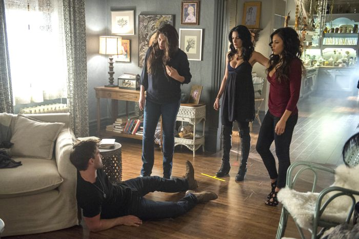 (L-R) Christian Cooke, Julia Ormond, Madchen Amick and Jenna Dewan Tatum star in an all-new episode of Witches of East End, airing Sunday, September 14, at 9pm ET/PT on Lifetime.