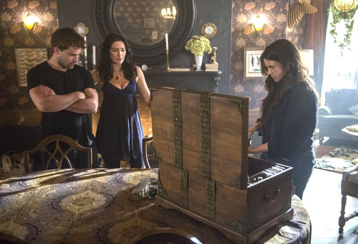 (L-R) Christian Cooke, Madchen Amick and Julia Ormond star in an all-new episode of Witches of East End, airing Sunday, September 14, at 9pm ET/PT on Lifetime.