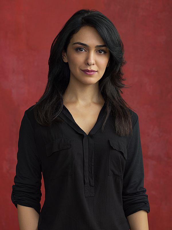 Nazanin Boniadi as Fara in Homeland Season 4