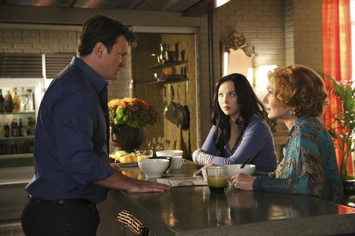 NATHAN FILLION, MOLLY QUINN, SUSAN SULLIVAN