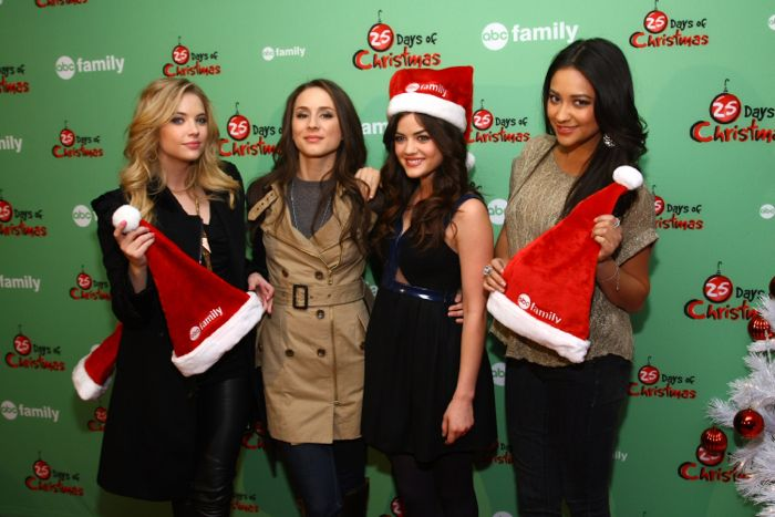 pretty little liars 25 days of christmas 2