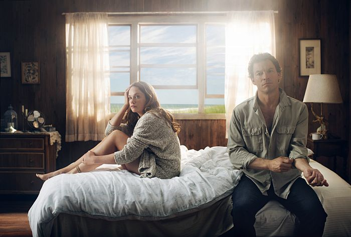 Ruth Wilson as Alison and Dominic West as Noah in The Affair (season 1)