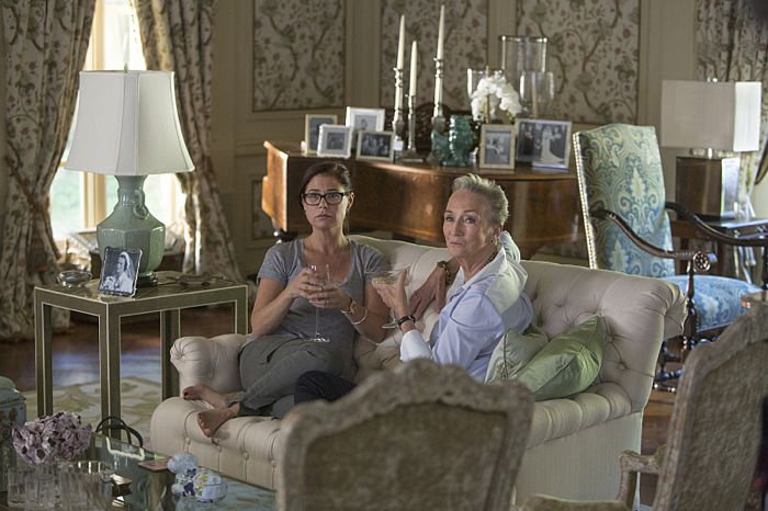 Maura Tierney as Helen and Kathleen Chalfant as Margaret in The Affair (Pilot)