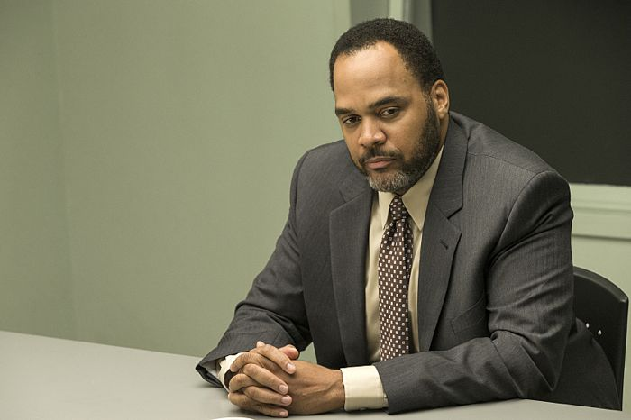 Victor Williams as Detective Jeffries in The Affair (season 1, episode 1)