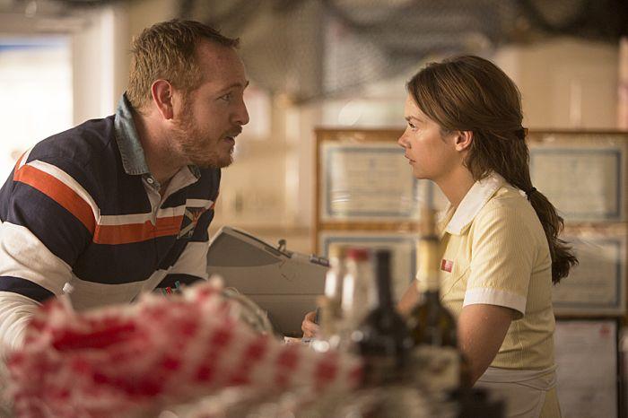 Darren Goldstein as Oscar and Ruth Wilson as Alison in The Affair (season 1, episode 1)