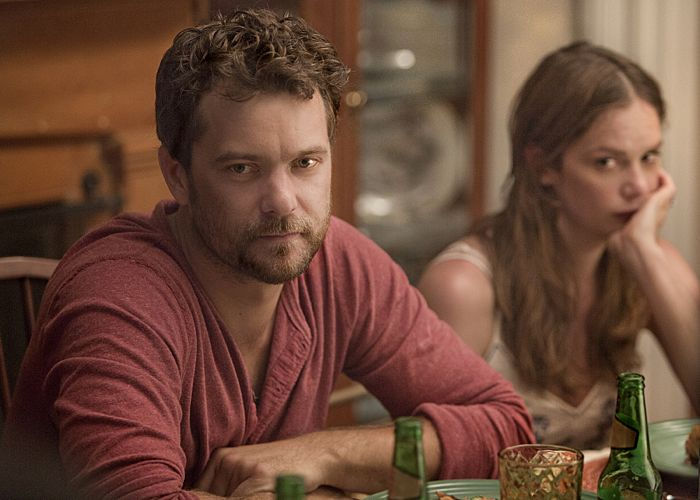 Joshua Jackson as Cole and Ruth Wilson as Alison in The Affair (Pilot)