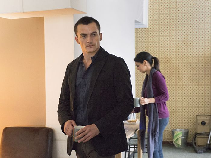 Rupert Friend as Peter Quinn and Nazanin Boniadi as Fara in Homeland (Season 4, Episode 4)
