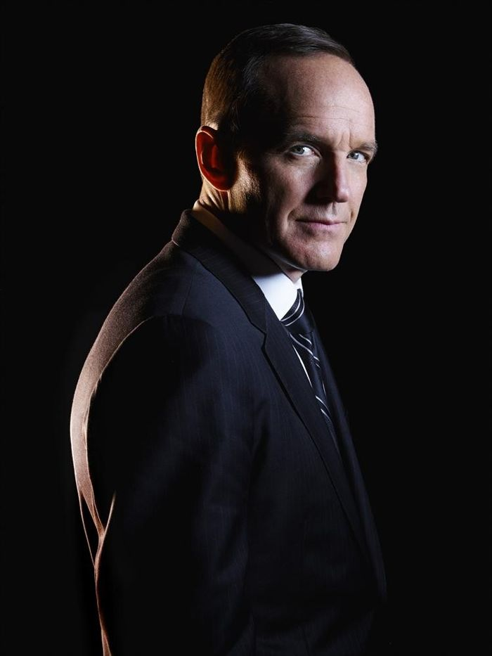 """ABC's """"Marvel's Agents of S.H.I.E.L.D."""" stars Clark Gregg as Agent Phil Coulson"""