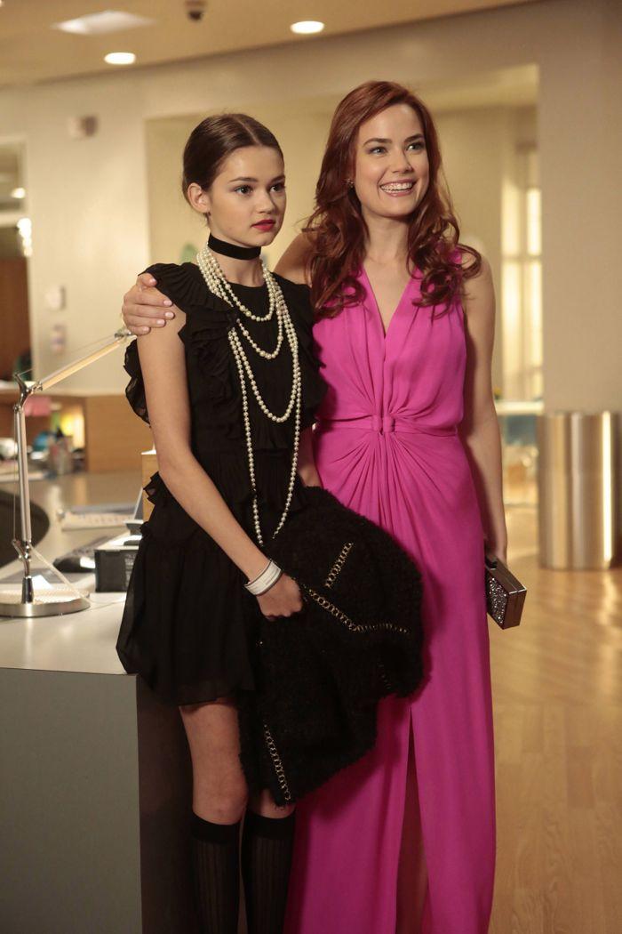 RED BAND SOCIETY: Emma (Ciara Bravo) and Nurse Dobler (Rebecca Rittenhouse)