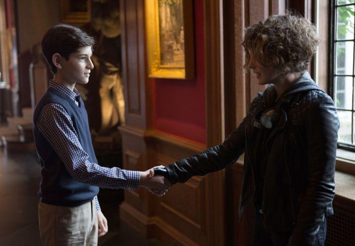 "Bruce Wayne (David Mazouz, L) meets Selina Kyle (Camren Bicondova, R) in the ""Harvey Dent"" episode of GOTHAM"