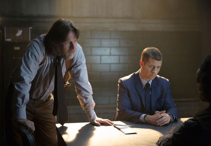 Gotham 1x09 01