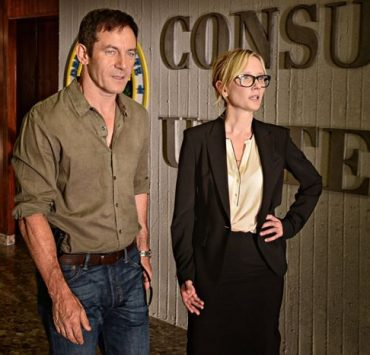 "DIG -- ""Pilot"" Episode 101 -- Pictured: (l-r) Jason Isaacs as Peter, Anne Heche as Lynn"