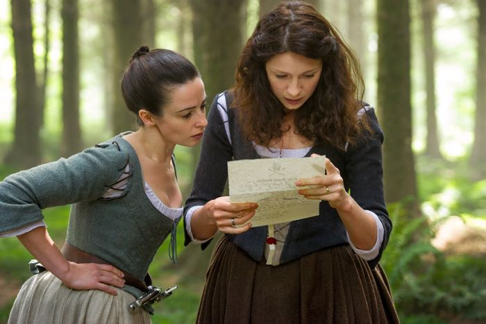 Outlander Jenny Fraser Laura Donnelly and Claire Randall Caitriona Balfe