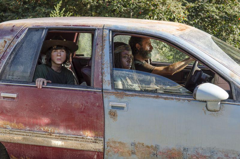 The Walking Dead Recap 5x11 The Distance