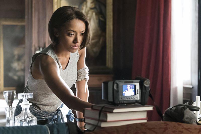 "The Vampire Diaries ""Let Her Go"" Kat Graham as Bonnie"
