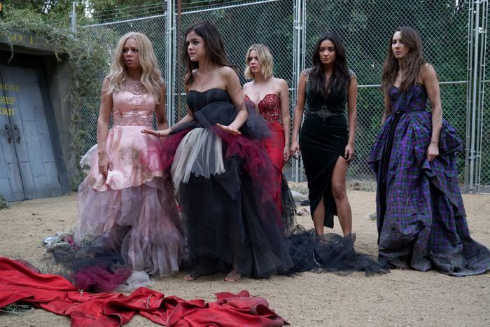 """PRETTY LITTLE LIARS - """"Game On, Charles"""" - The future looks bleak as the Liars are still stuck in Charles' twisted web in """"Game On, Charles,"""" the season six premiere of ABC Family's hit original series """"Pretty Little Liars,"""" premiering Tuesday, June 2nd (8:00 – 9:00 PM ET/PT). Fans can start to put the """"A"""" puzzle pieces together with an all-day marathon starting at 12:00 PM (ET/PT) and running up to the one-hour season premiere at 8:00 PM (ET/PT). (ABC Family/Eric McCandless) JANEL PARRISH, LUCY HALE, ASHLEY BENSON, SHAY MITCHELL, TROIAN BELLISARIO"""