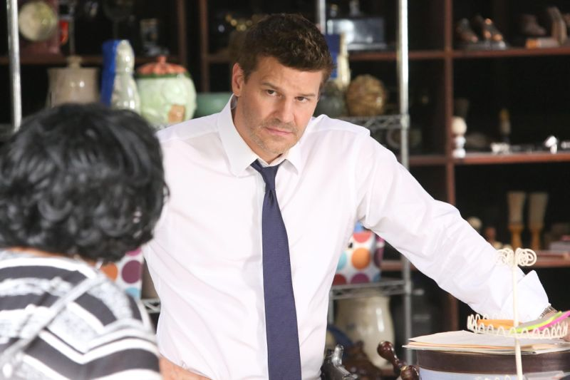 """BONES:   Booth (David Boreanaz) interviews a cookie jar collector (guest star Caroline Juliette Jeffers, L) in the """"The Woman in the Whirlpool"""" episode of BONES airing Thursday, May 28 (8:00-9:00 PM ET/PT) on FOX.  ©2015 Fox Broadcasting Co.  Cr:  Patrick McElhenney/FOX"""
