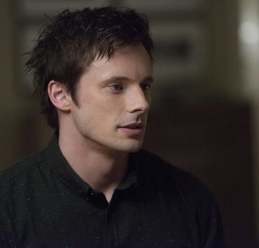 Bradley James as Lowell Tracey iZombie | Photo: Diyah Pera