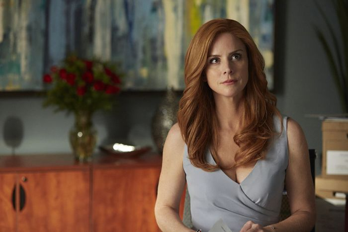 """SUITS -- """"Denial"""" Episode 501 -- Pictured: Sarah Rafferty as Donna Paulsen -- (Photo by: Shane Mahood/USA Network)"""