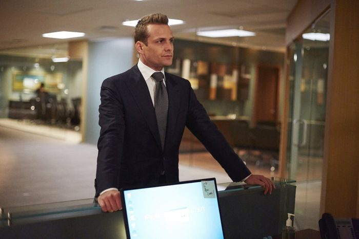 """SUITS -- """"Denial"""" Episode 501 -- Pictured: Gabriel Macht as Harvey Specter -- (Photo by: Shane Mahood/USA Network)"""
