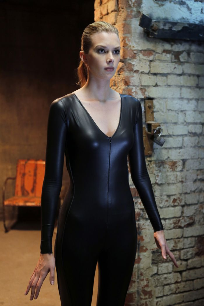 """STITCHERS - """"Friends in Low Places"""" - Kirsten crosses paths with Detective Fisher again when they end up working on the same overdose death of a young woman in an all-new episode of """"Stitchers,"""" airing Tuesday, June 9, 2015 at 9:00PM ET/PT on ABC Family. (ABC Family/Tony Rivetti) EMMA ISHTA"""