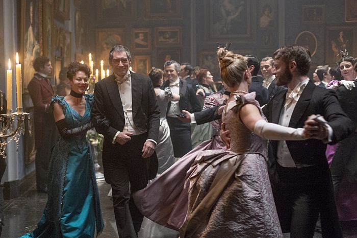Helen McCrory as Evelyn Poole and Timothy Dalton as Sir Malcolm in Penny Dreadful (season 2, episode 6). - Photo: Jonathan Hession/SHOWTIME - Photo ID: PennyDreadful_206_3834