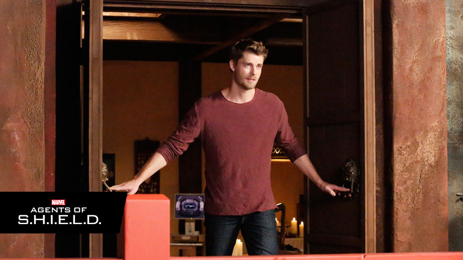 Luke Mitchell MARVEL'S AGENTS OF S.H.I.E.L.D.