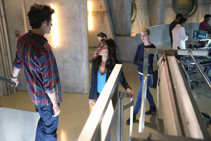 """STITCHERS - """"A Stitch in Time"""" - Highly intelligent and emotionally distant, Kirsten Clark has an aptitude for technology but never expected that she'd be hacking into the minds of the recently deceased, in the series premiere of """"Stitchers,"""" airing Tuesday, June 2, 2015 at 9:00PM ET/PT on ABC Family. (ABC Family/Adam Taylor) KYLE HARRIS, SALLI RICHARDSON-WHITFIELD, EMMA ISHTA"""