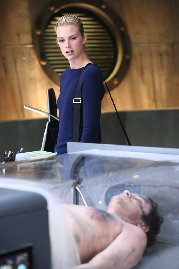 "STITCHERS - ""A Stitch in Time"" - Highly intelligent and emotionally distant, Kirsten Clark has an aptitude for technology but never expected that she'd be hacking into the minds of the recently deceased, in the series premiere of ""Stitchers,"" airing Tuesday, June 2, 2015 at 9:00PM ET/PT on ABC Family. (ABC Family/Adam Taylor) EMMA ISHTA"