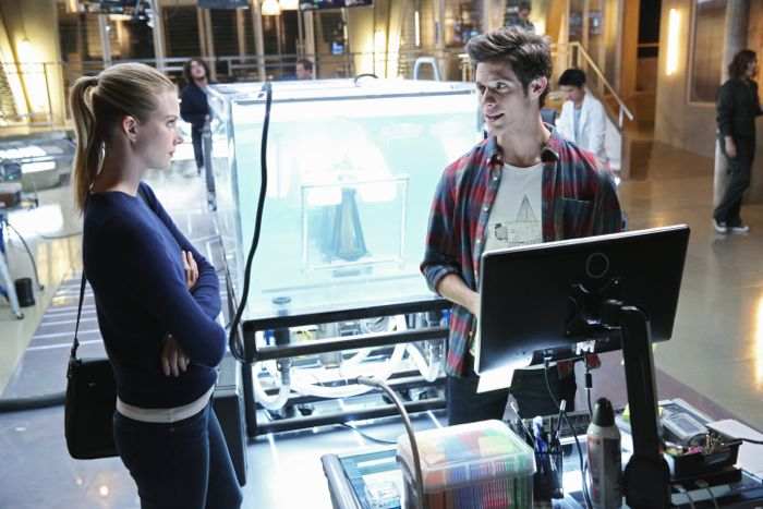"""STITCHERS - """"A Stitch in Time"""" - Highly intelligent and emotionally distant, Kirsten Clark has an aptitude for technology but never expected that she'd be hacking into the minds of the recently deceased, in the series premiere of """"Stitchers,"""" airing Tuesday, June 2, 2015 at 9:00PM ET/PT on ABC Family. (ABC Family/Adam Taylor) EMMA ISHTA, KYLE HARRIS"""