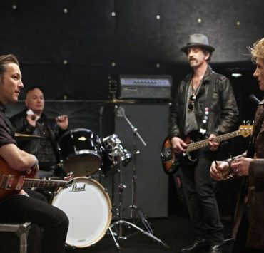 "Sex&Drugs&Rock&Roll - ""Don't Wanna Die : (l-r) John Corbett as Flash, Robert Kelly as Bam Bam, John Ales as Rehab, Denis Leary as Johnny. CR. Patrick Harbron/FX"