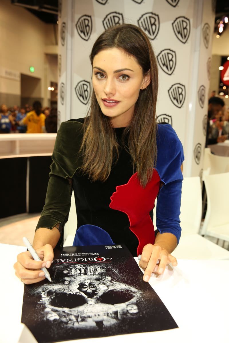 Phoebe Tonkin (Hayley Marshall) in the Warner Bros. booth for THE ORIGINALS signing at Comic-Con 2015. #WBSDCC (©2015 WBEI. All rights reserved.)