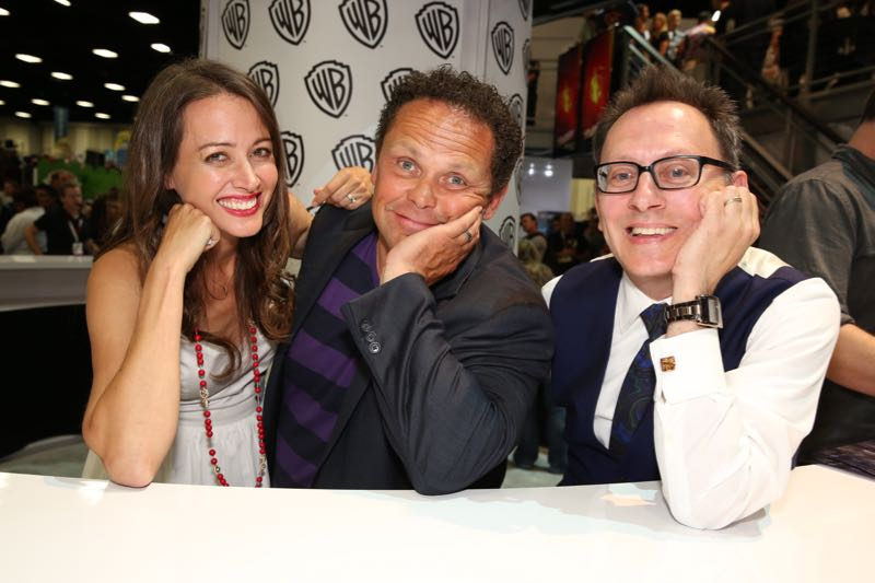 PERSON OF INTEREST stars (L-R) Amy Acker, Kevin Chapman and Michael Emerson during the show's signing in the Warner Bros. booth on Saturday, July 11, at Comic-Con 2015. #WBSDCC (© 2015 WBEI. All Rights Reserved.)
