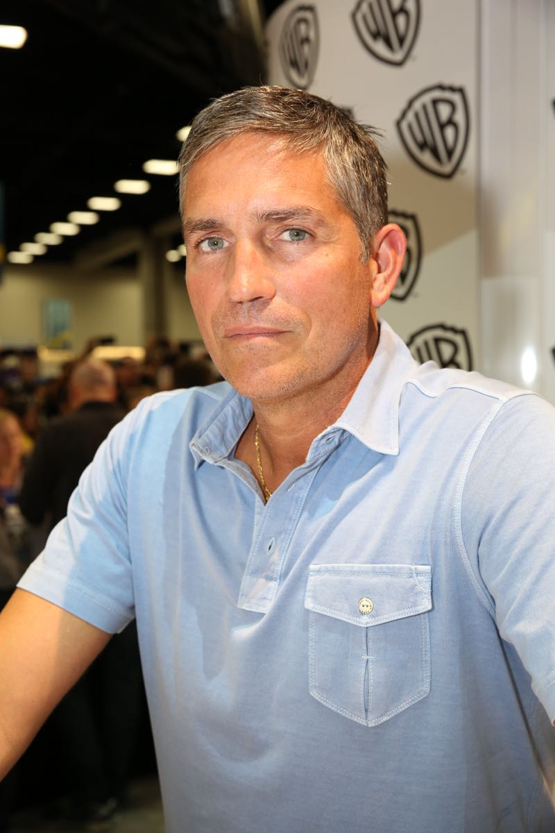 PERSON OF INTEREST star Jim Caviezel during the show's signing in the Warner Bros. booth on Saturday, July 11, at Comic-Con 2015. #WBSDCC (© 2015 WBEI. All Rights Reserved.)