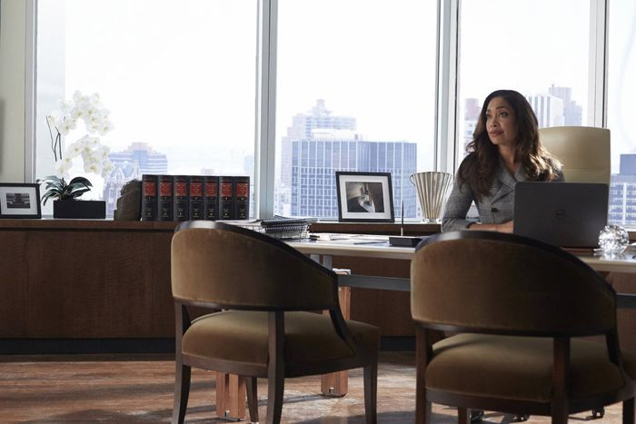 """SUITS -- """"Toe to Toe"""" Episode 505 -- Pictured: Gina Torres as Jessica Pearson -- (Photo by: Shane Mahood/USA Network)"""
