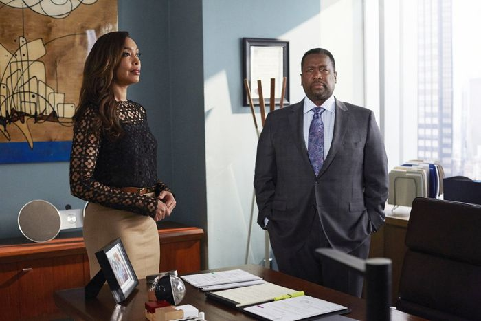 """SUITS -- """"No Puedo Hacerlo"""" Episode 504 -- Pictured: (l-r) Gina Torres as Jessica Pearson, Wendell Pierce as Robert Zane -- (Photo by: Shane Mahood/USA Network)"""