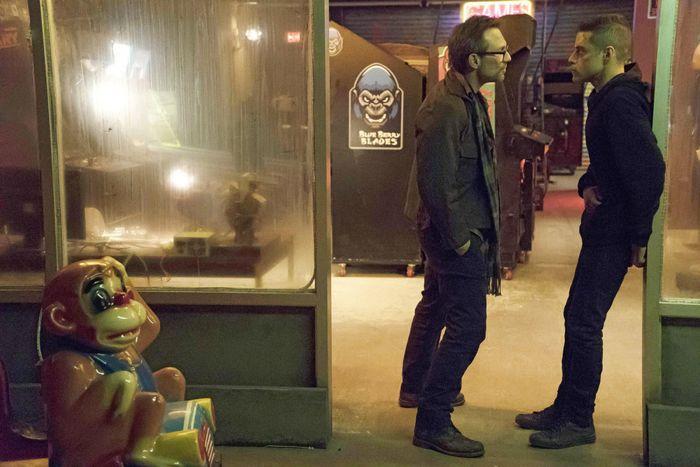 "MR. ROBOT -- ""da3m0ns.mp4"" Episode 104 -- Pictured: (l-r) Christian Slater as Mr. Robot, Rami Malek as Elliot -- (Photo by: Virginia Sherwood/USA Network)"