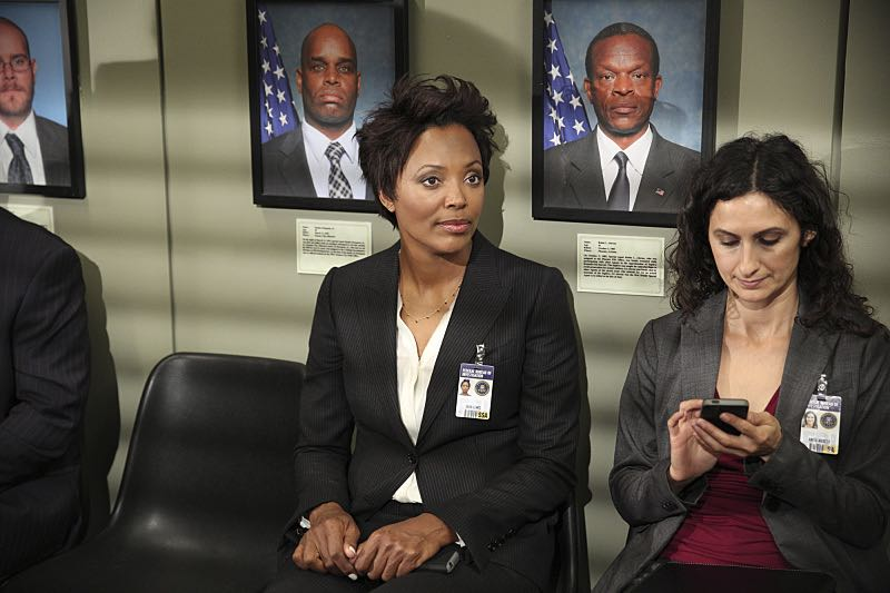 """""""The Job"""" -- The BAU searches for a serial killer who leaves distinctive marks on victims' faces with the help of an impressive potential new team member, forensic psychologist Dr. Tara Lewis, on the 11th season premiere of CRIMINAL MINDS, Wednesday, Sept. 30 (9:00-10:00 PM, ET/PT) on the CBS Television Network.  Aisha Tyler joins the cast in a recurring role as forensic psychologist Dr. Tara Lewis. Pictured: Aisha Tyler as Dr. Tara Lewis.   Photo: Cliff Lipson/CBS ©2015 CBS Broadcasting, Inc. All Rights Reserved"""