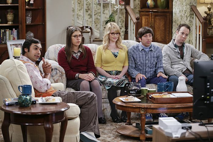 """""""The Matrimonial Momentum"""" -- Sheldon  doesn't know how to act after Amy pushes pause on their relationship, on the ninth season premiere of THE BIG BANG THEORY, Monday, Sept. 21 (8:00-8:31 PM, ET/PT), on the CBS Television Network. Pictured left to right: Kunal Nayyar, Mayim Bialik, Melissa Rauch, Simon Helberg and Kevin Sussman Photo: Sonja Flemming/CBS ©2015 CBS Broadcasting, Inc. All Rights Reserved"""