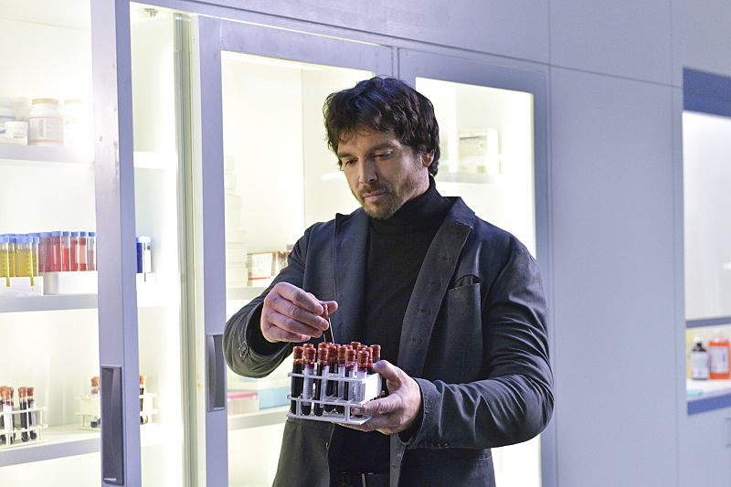 "Beauty and the Beast -- ""Unbreakable"" -- Image Number: BB311a_0025.jpg -- Pictured: Jason Gedrick as Liam -- Photo: Ben Mark Holzberg/The CW -- © 2015 The CW Network, LLC. All rights reserved."