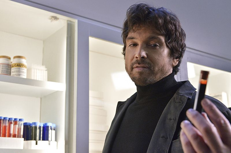 "Beauty and the Beast -- ""Unbreakable"" -- Image Number: BB311a_0083.jpg -- Pictured: Jason Gedrick as Liam -- Photo: Ben Mark Holzberg/The CW -- © 2015 The CW Network, LLC. All rights reserved."