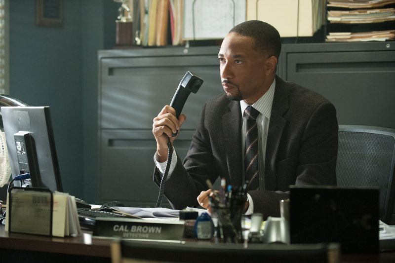 """THE PLAYER -- """"Ante Up"""" Episode 101-- Pictured: Damon Gupton as Detective Brown -- (Photo by: Colleen Hayes/NBC)"""